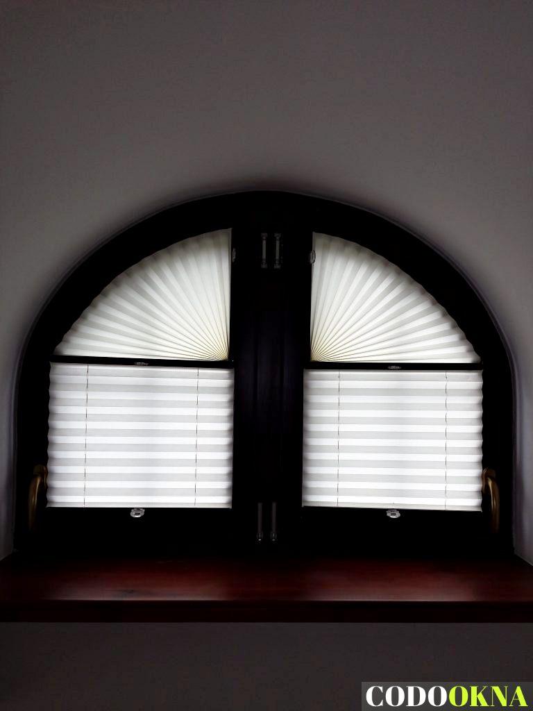 Rolety plisowane montowane w nietypowym oknie